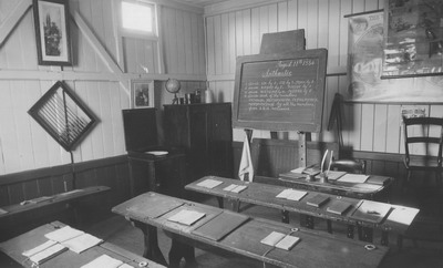 Photo of Dunlop's recreation of a bush schoolroom in the Museum of Education, around 1958