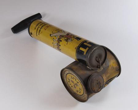 'Flit' branded handheld pesticide spray pump