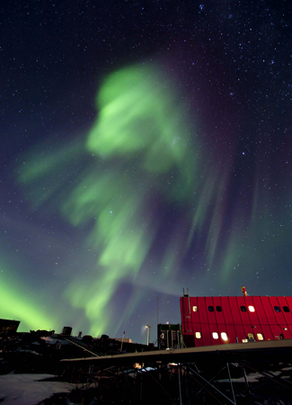 Aurora over Mawson Station