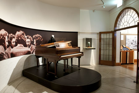 Duo Art piano at the Grainger Museum, Melbourne