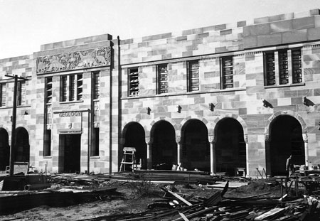Fig. 1. Richards Building, University of Queensland, 1950