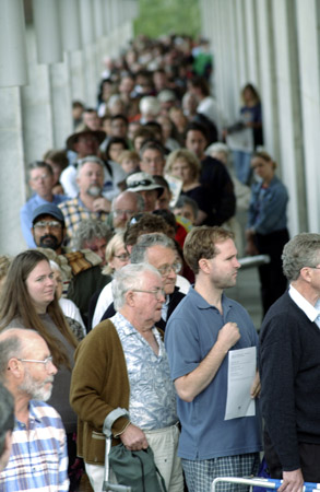 Queuing for Treasures from the World's Great Libraries, January 2002