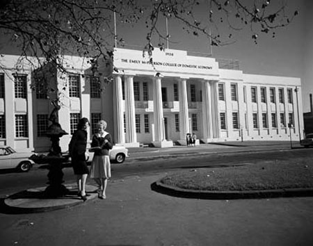 Fig. 8. The Emily MacPherson College of Domestic Economy, Melbourne, 1959